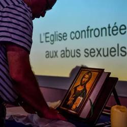 Lors d'une réunion organisée par le diocèse de Lille. Philippe Huguen/Afp